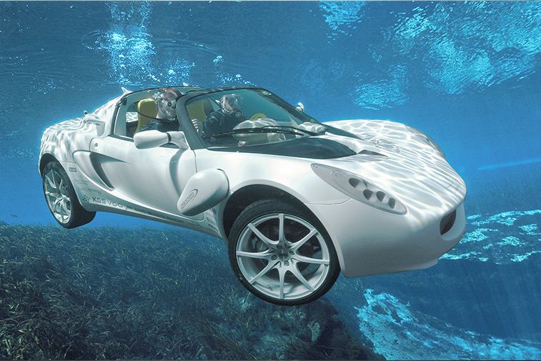 Fully submersible and emission-free, the sQuba was the ultimate aquatic Bond car | Source: Rinspeed
