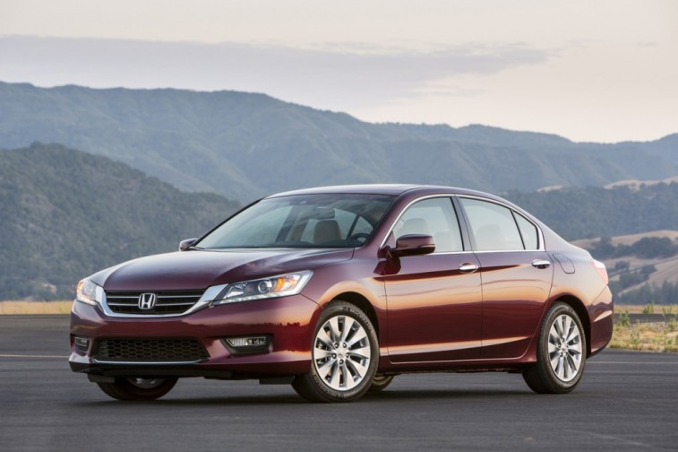 2014_Honda_Accord_EX_L_V_6_Sedan004