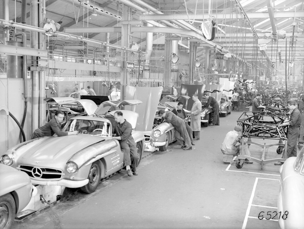 Mercedes-Benz 300SL Gullwing assembly