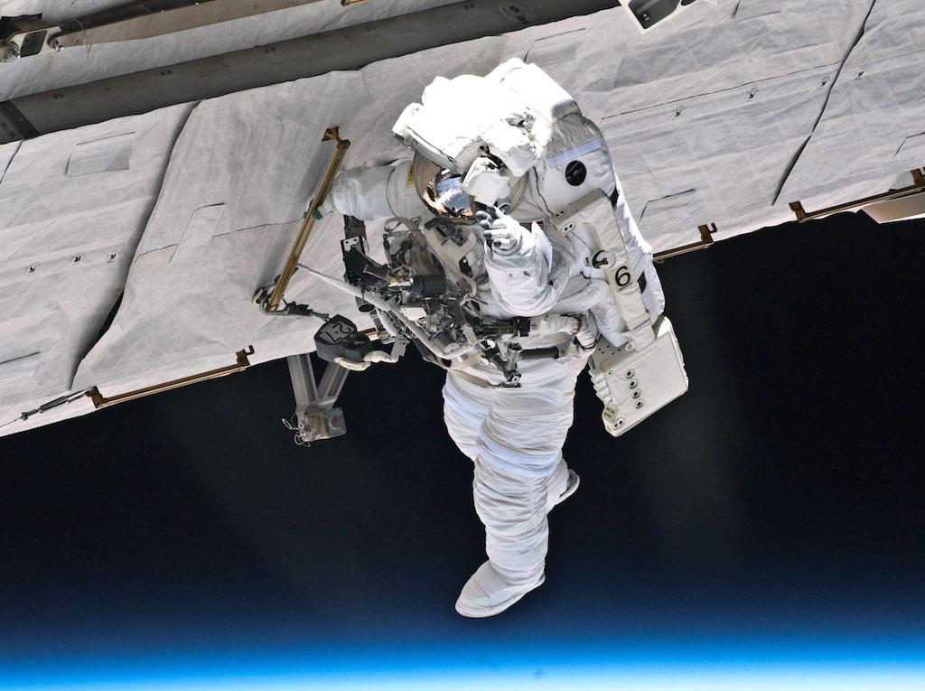 Space Shuttle Atlantis, Astronaut