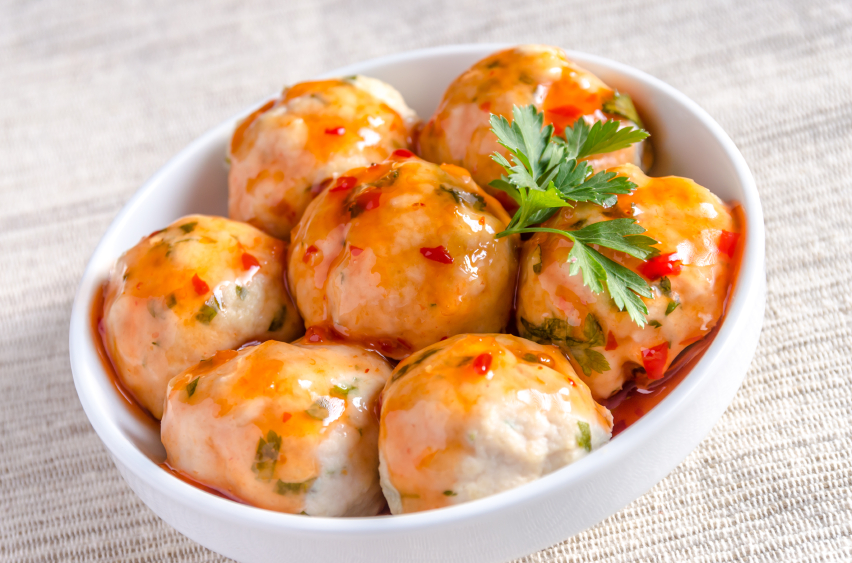 Chicken meatballs with spicy sauce