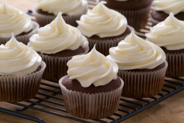 Beet cupcakes with vanilla frosting