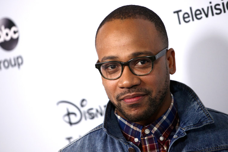 Columbus Short in glasses on the red carpet