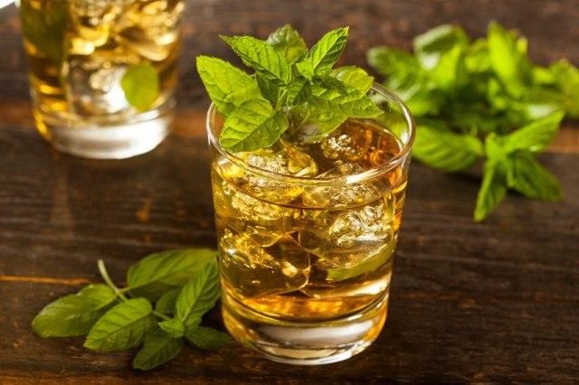 Mint Julep, whiskey