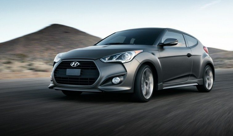 Fron three-quarter view of gray Veloster Turbo, 2015 model year