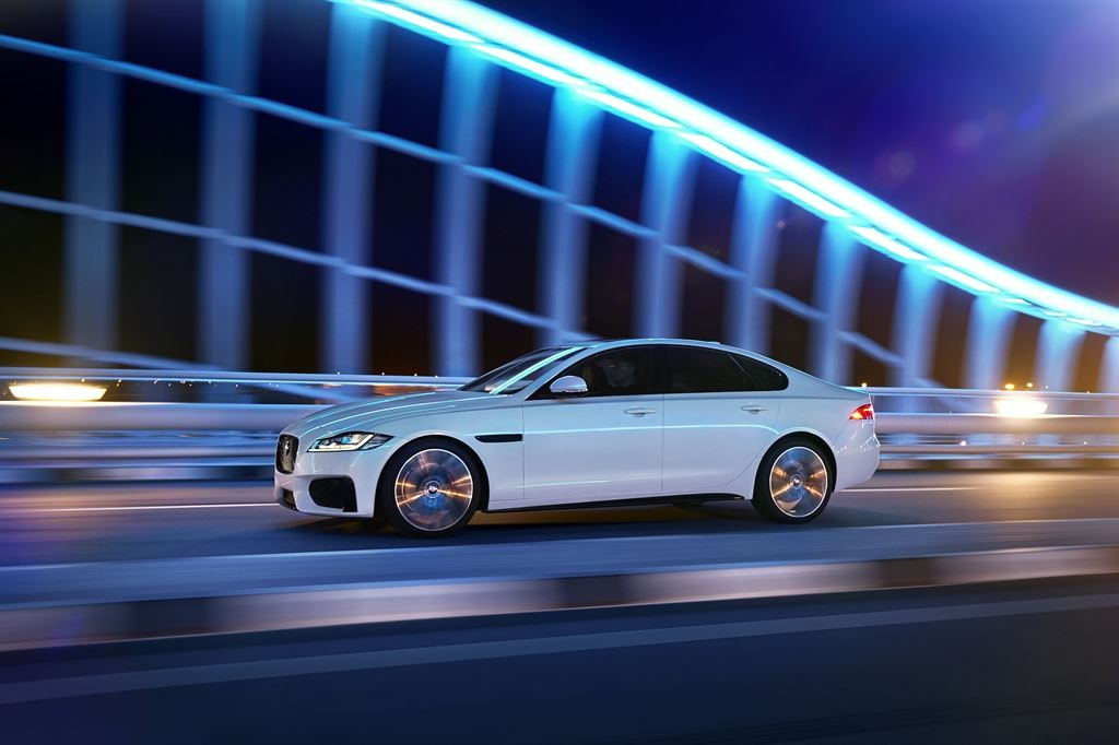 Jag_New_XF_S_Location_Image_010415_18_LowRes