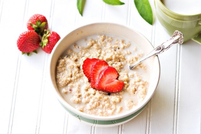 a hearty breakfast of oatmeal and strawberries