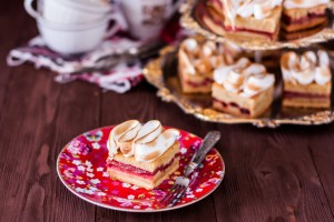 Cure Your Sweet Cravings With These 6 Marvelous Meringue Desserts