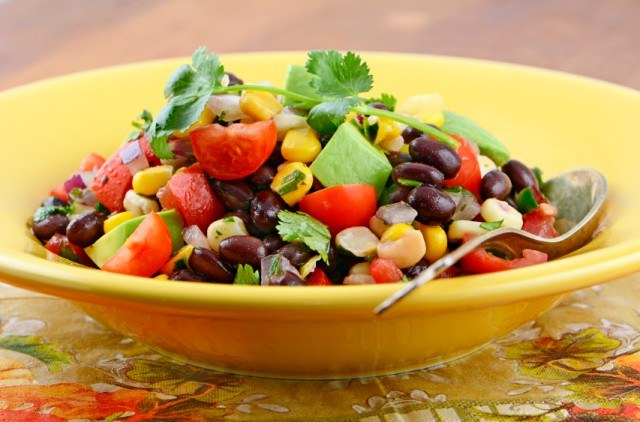 Southwestern black bean salad