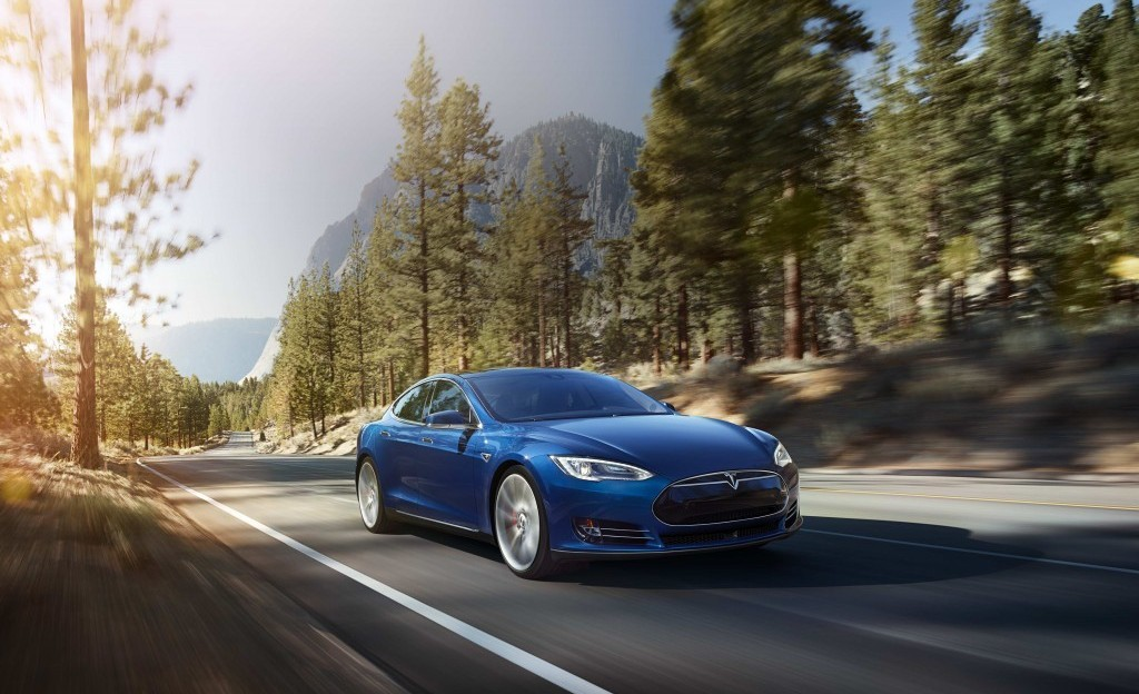 Tesla_70D_hero_blue_v2-1024x712.jpg