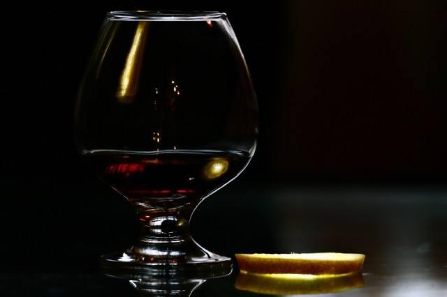 cognac with lemon