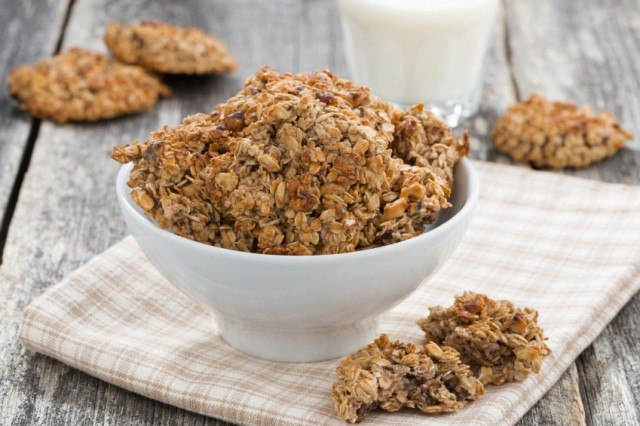 oats and cookies