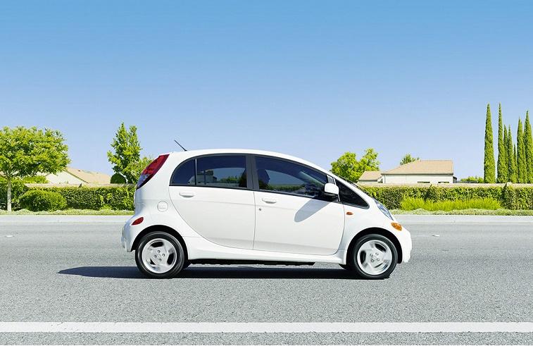White Mitsubishi i-MiEV