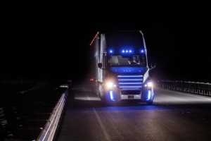 The Freightliner Inspiration Is an 18-Wheeler That Drives Itself