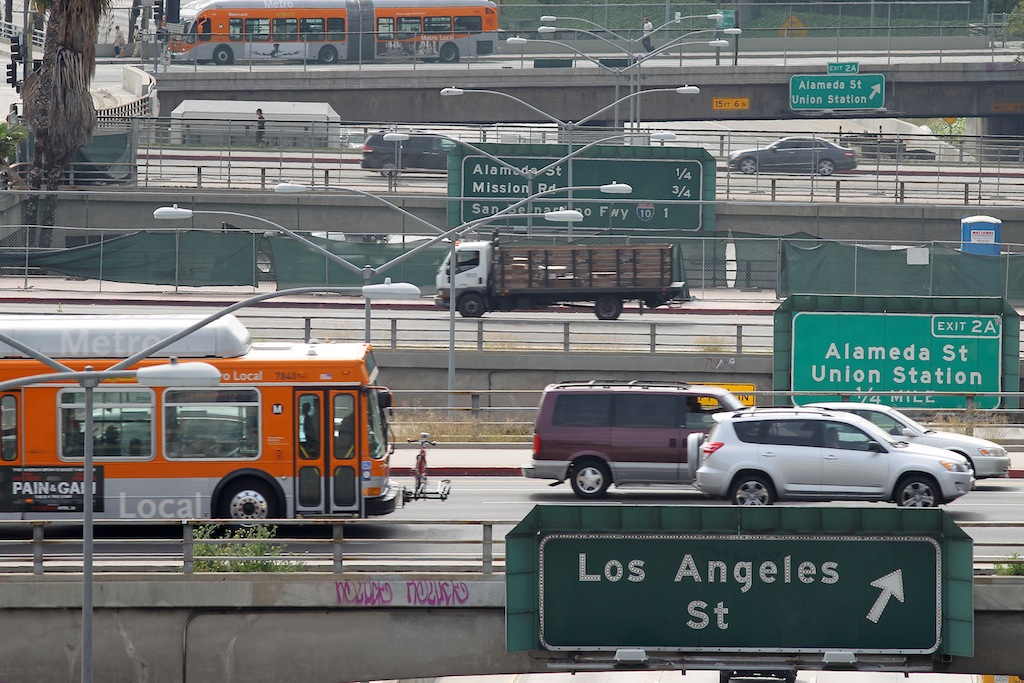 Los Angeles traffic -- a major contributor to climate change