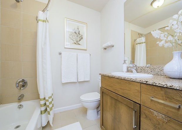 4 Design Tips to Make a Small Bathroom Better1
