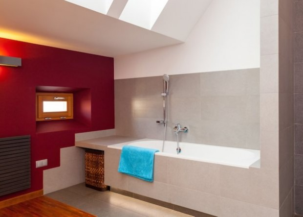 4 Design Tips to Make a Small Bathroom Better2