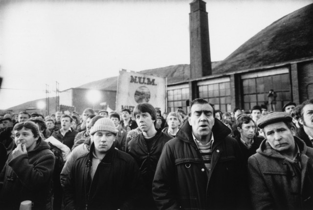 Miners from the Maerdy Lodge in Gwent return to work following the miners' strike, 5th March 1985 - Steve Eason/Hulton Archive/Getty Images