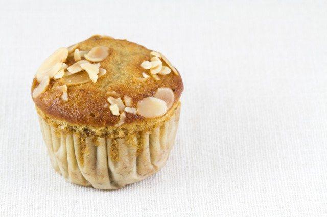 Banana almond muffin