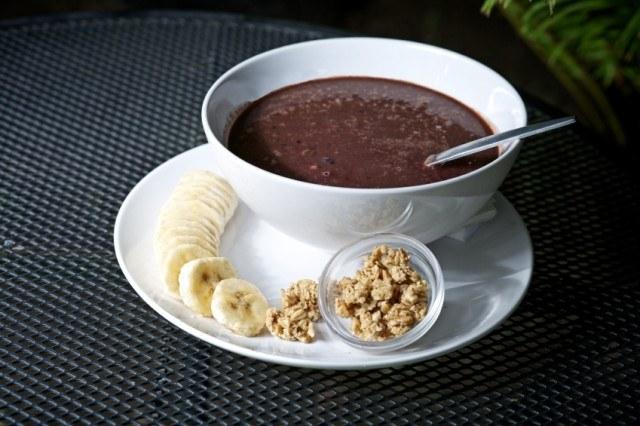 Acai Bowl, bananas, granola