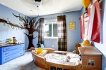 Create a Kid's Fantasy World With Themed Murals