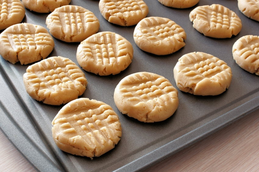 portions of peanut butter cookie dough with crosshatch