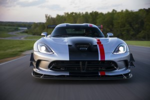 Dodge's Viper ACR and Chevy's Corvette Z06 Fight for Your Track-Day Dollars