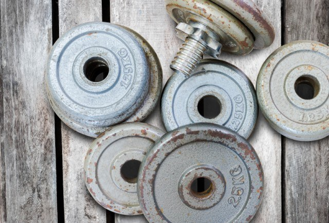 Free weights in a pile