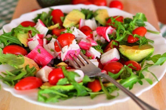 salad with crab and avocado