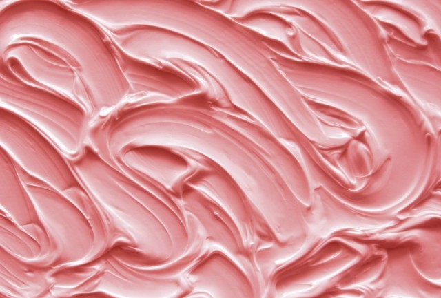 Pink frosting can be used to make beautiful cakes