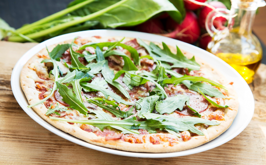 pizza, arugula