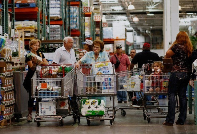 Costco shoppers