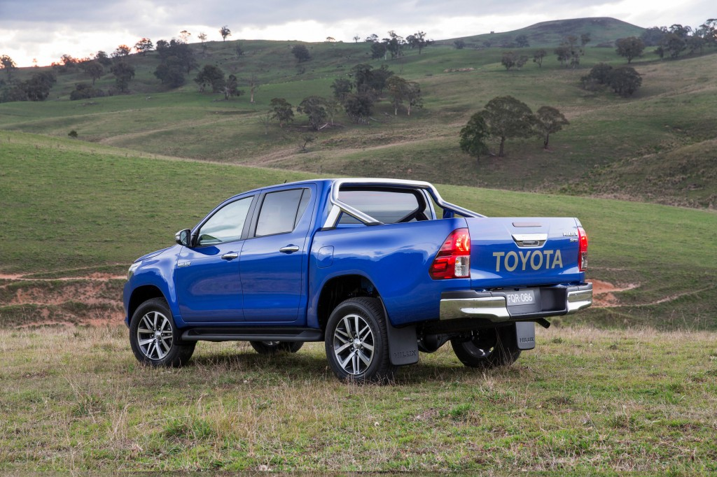 hr-15-hilux-reveal-11-1
