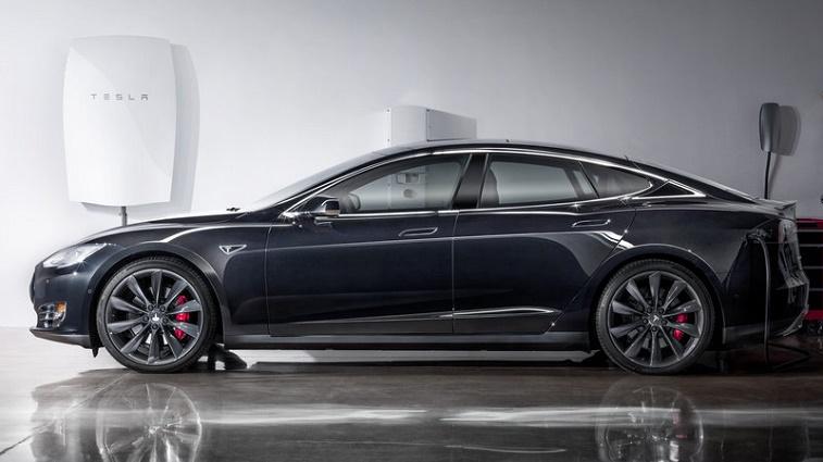 Tesla Model S featured with Powerwall