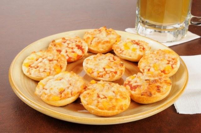 bagel bites, mini pizza