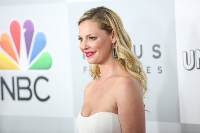 Katherine Heigl faces cameras the NBC red carpet