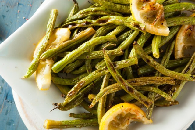 green beans, lemon