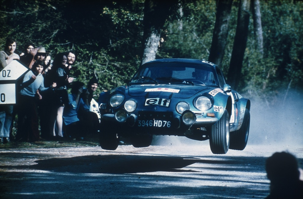 the alpine a110 the most amazing car you ve never heard of. Black Bedroom Furniture Sets. Home Design Ideas