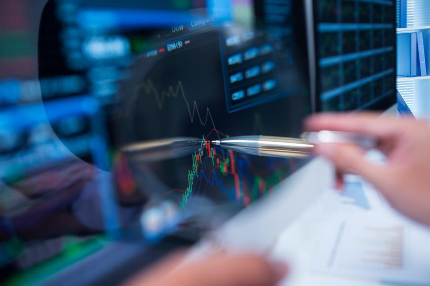 A broker follows the stock market