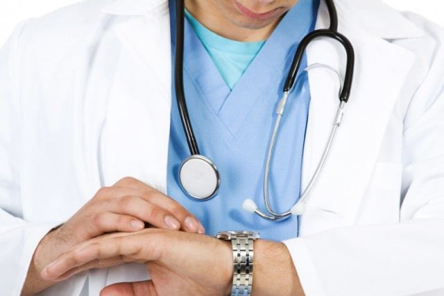 Why Doctors Do Not Spend Enough Time With Patients Anymore