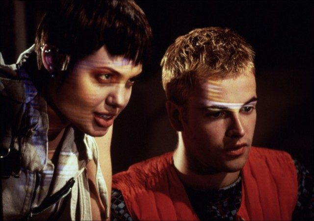 Angelina Jolie and Jonny Lee Miller in 'Hackers.'