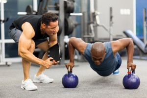 5 Reasons You Should Not Work Out Alone