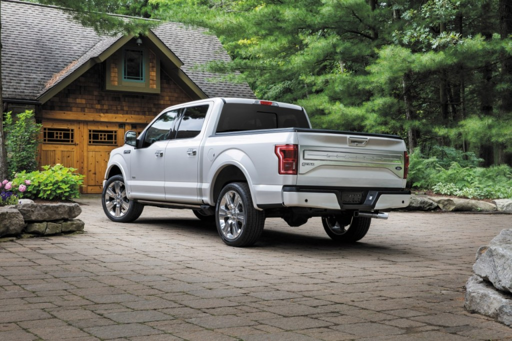 Ford 16_F150_34RrStaticUpscaleWoodedLocation_HR