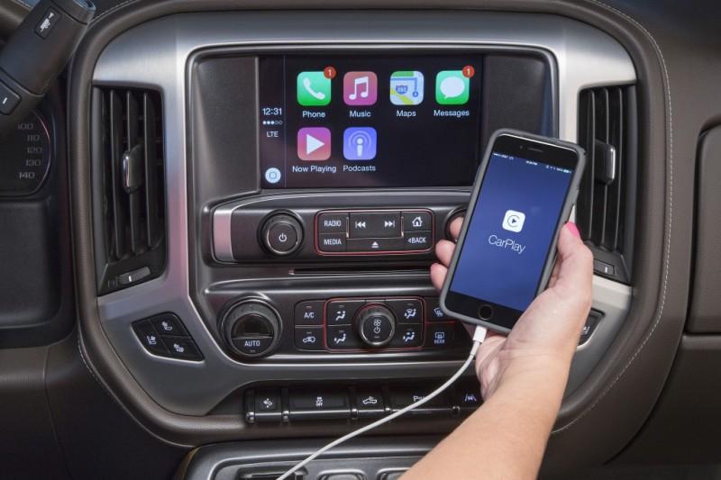2016-GMC-Sierra-CarPlay-001