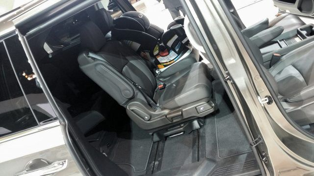 The Honda Odyssey Magic Slide seating setup is a brilliant acrobatic invention, effortlessly allowing infants to remain buckled while canines climb in the back | Micah Wright/Autos Cheat Sheet