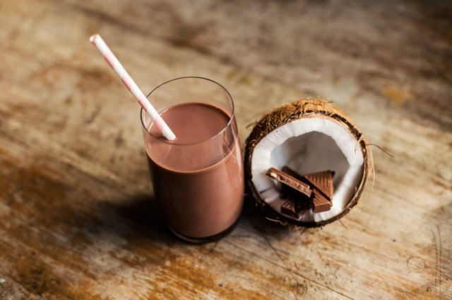 chocolate coconut shake
