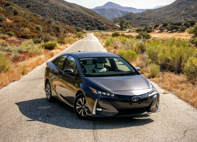 The 2017 Prius Prime is equal parts sophisticated, tech-savvy, efficient, and surprisingly sporty