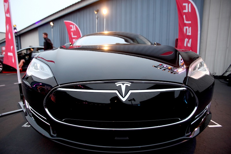 Elon Musk Book Re mendations 2016 7 moreover 7 Key Questions To Ask When Figuring Out Your Capital Raising Strategy as well Will Teslas Referral Program Turn Model S Buyers Into Sellers in addition Balanced Scorecard Presentation 1068670 furthermore Tesla Motors Swot. on tesla strategy recommendations