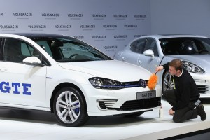 7 Top Countries for Electric Vehicle Sales in 2015