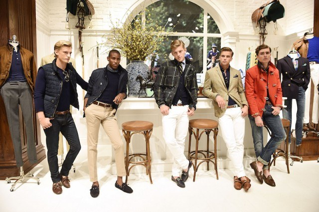 A group of models posing